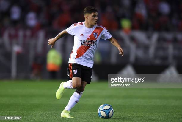 Juan Fernando Quintero of River Plate drives the ball during a match between River Plate and Colon as part of Superliga Argentina 2019/20 at Estadio...