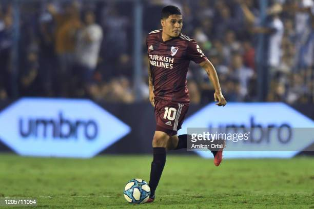 Juan Fernando Quintero of River Plate drives the ball during a match between Atletico Tucuman and River Plate as part of Superliga 2019/20 at Estadio...