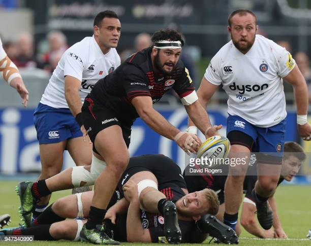 Juan Figallo of Saracens passes the ball during the Aviva Premiership match between Saracens and Bath Rugby at Allianz Park on April 15 2018 in...