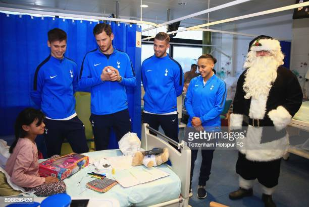 Juan Foyth Jan Vertonghen Toby Alderweireld and Bianca Baptiste meet a young patient during a Tottenham Hotspur player visit at North Middlesex...