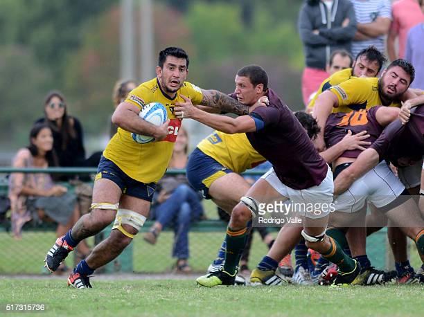 Juan Gentile of La Plata and Esteban Morgan of Newman fight the ball during a match between Newman and La Plata as part of ICBC Nacional de Clubes at...