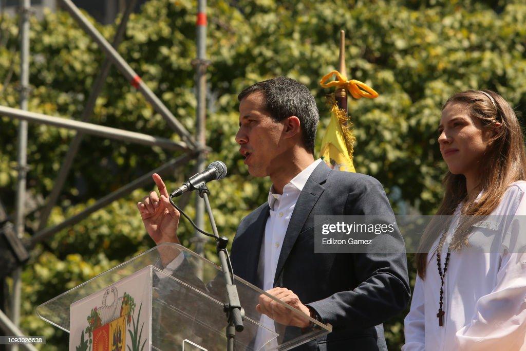Protest in Caracas Against Nicolas Maduro : News Photo