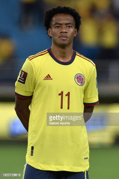 Juan Guillermo Cuadrado of Colombia during a match between Colombia and Argentina as part of South American Qualifiers for Qatar 2022 at Estadio...