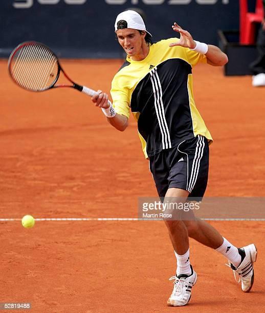 Juan Ignacio Chela in action against Christophe Rochus of Belgium during the Masters Series Hamburg at Rothenbaum on May 13 2005 in Hamburg Germany