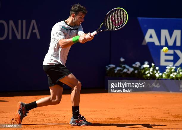 Juan Ignacio Londero of Argentina hits a backhand during his Men's Singles match against Laslo Djere of Serbia during day 4 of ATP Buenos Aires...