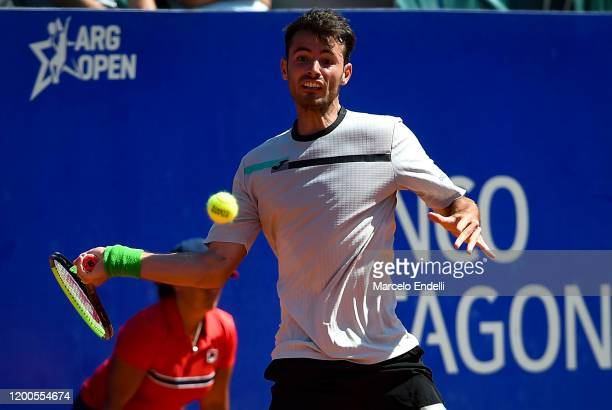 Juan Ignacio Londero of Argentina hits a forehand during his Men's Singles match against Laslo Djere of Serbia during day 4 of ATP Buenos Aires...