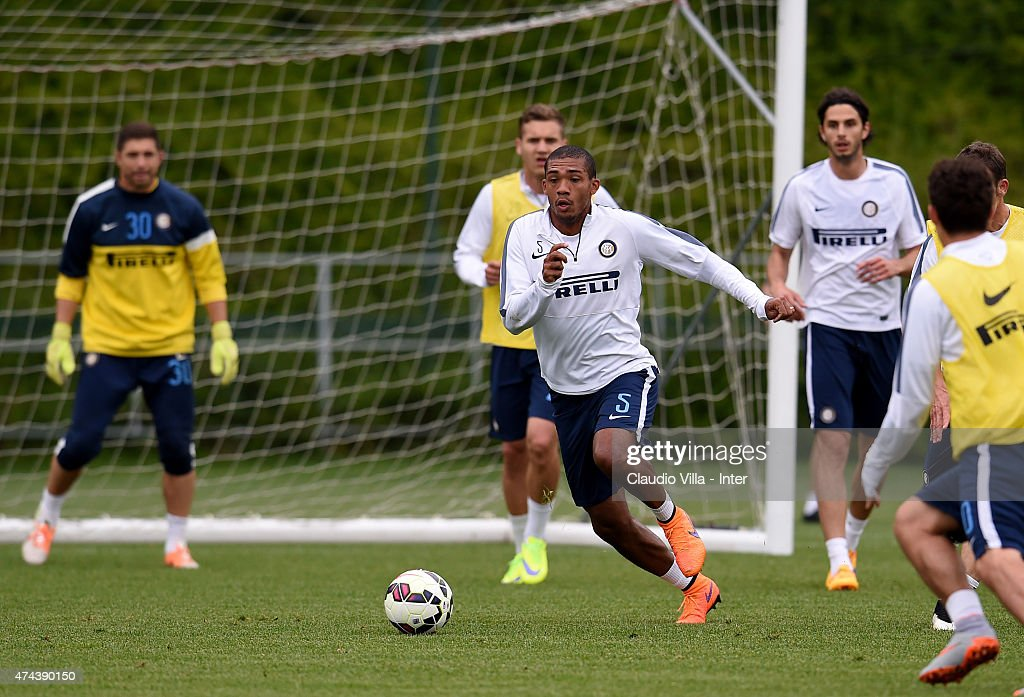 Juan Jesus (C) in action during FC Internazionale training session at the club's training ground at Appiano Gentile on May 22, 2015 in Como, Italy.