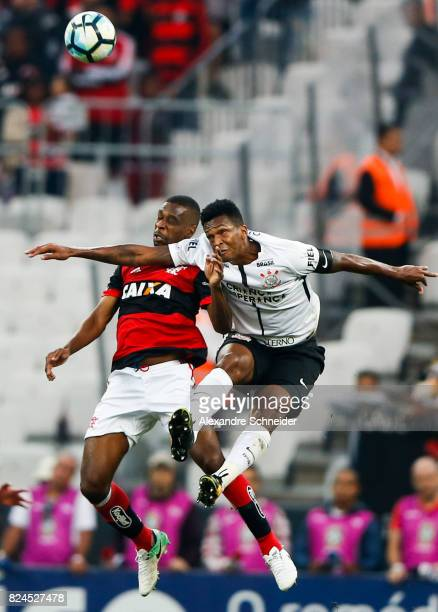 Juan L0 of Flmengo and Jo of Corinthians in action during the match between Corinthians and Flamengo for the Brasileirao Series A 2017 at Arena...