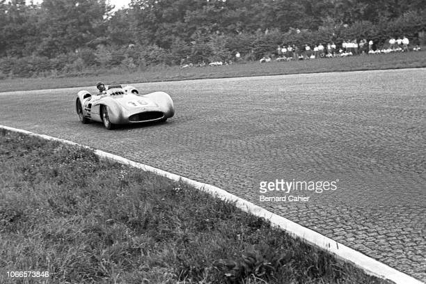 Juan Manuel Fangio, Mercedes W196, Grand Prix of Italy, Autodromo Nazionale Monza, 05 September 1954. Juan Manuel Fangio going through the famous...