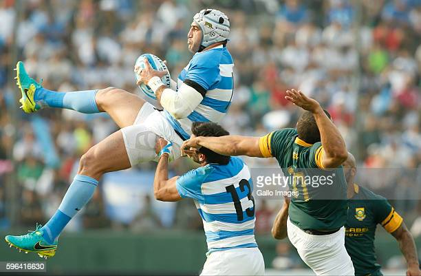 Juan Manuel Leguizamon of Argentina fights for the ball with Bryan Habana of South Africa during the Rugby Championship match between Argentina and...