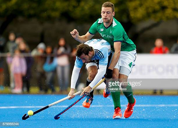 Juan Manuel Saladino of Argentina clashes with Jonathan Bell of Ireland during an International Friendly match between Argentina and Ireland at...