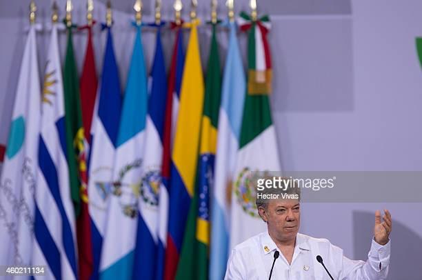 Juan Manuel Santos President of Colombia delivers a speech during the XXIV IberoAmerican Summit Veracruz 2014 closing event at World Trade Center on...