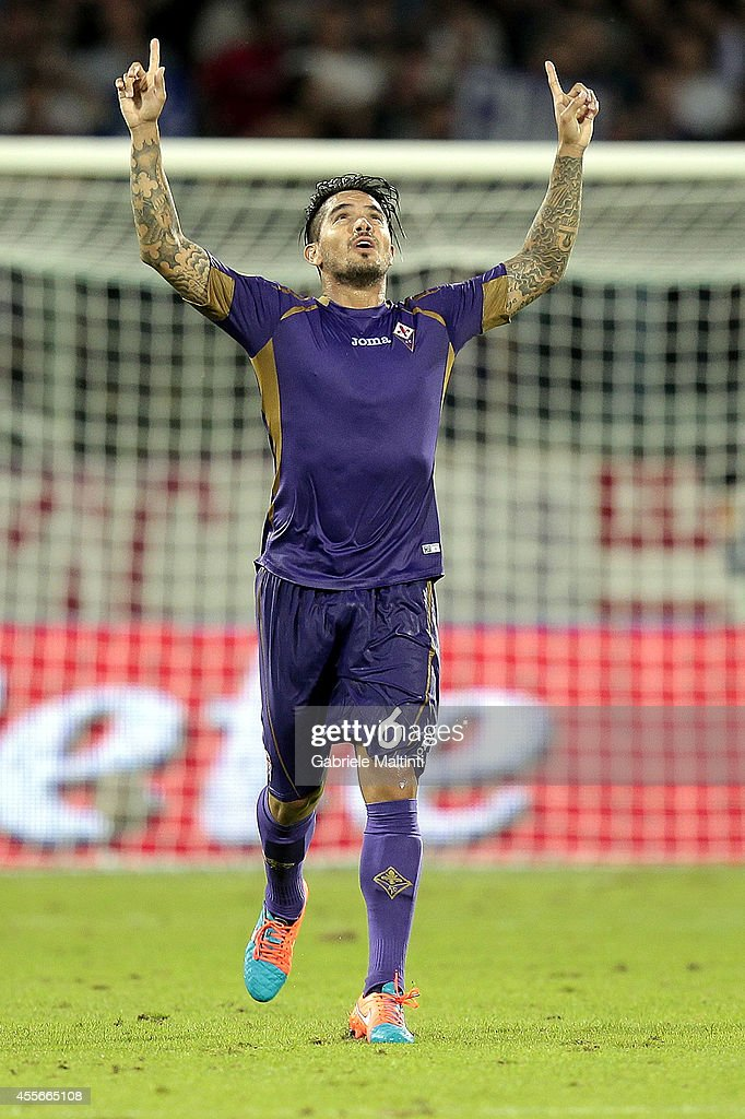 Juan Manuel Vergas of ACF Fiorentina celebrates after scoring a goal during the UEFA Europa League group K match between ACF Fiorentina and EA Guingamp at Stadio Artemio Franchi on September 18, 2014 in Florence, Italy.