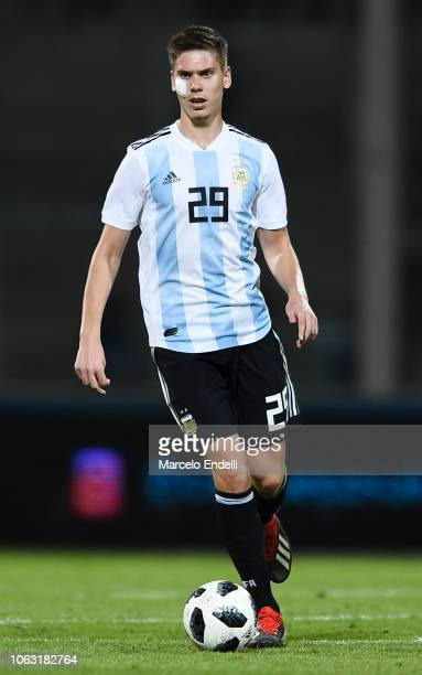 Juan Marcos Foyth of Argentina drives the ball during a friendly match between Argentina and Mexico at Mario Kempes Stadium on November 16 2018 in...