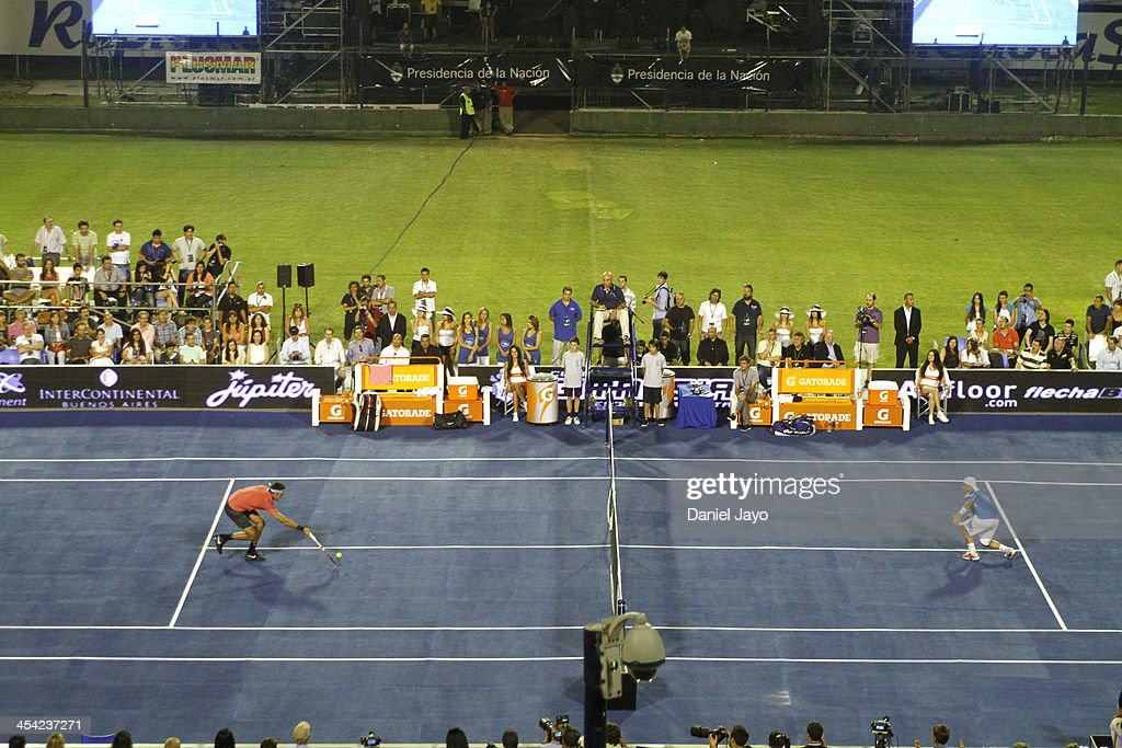 Juan Martin Del Potro v Lleyton Hewitt - Exhibition Match : News Photo