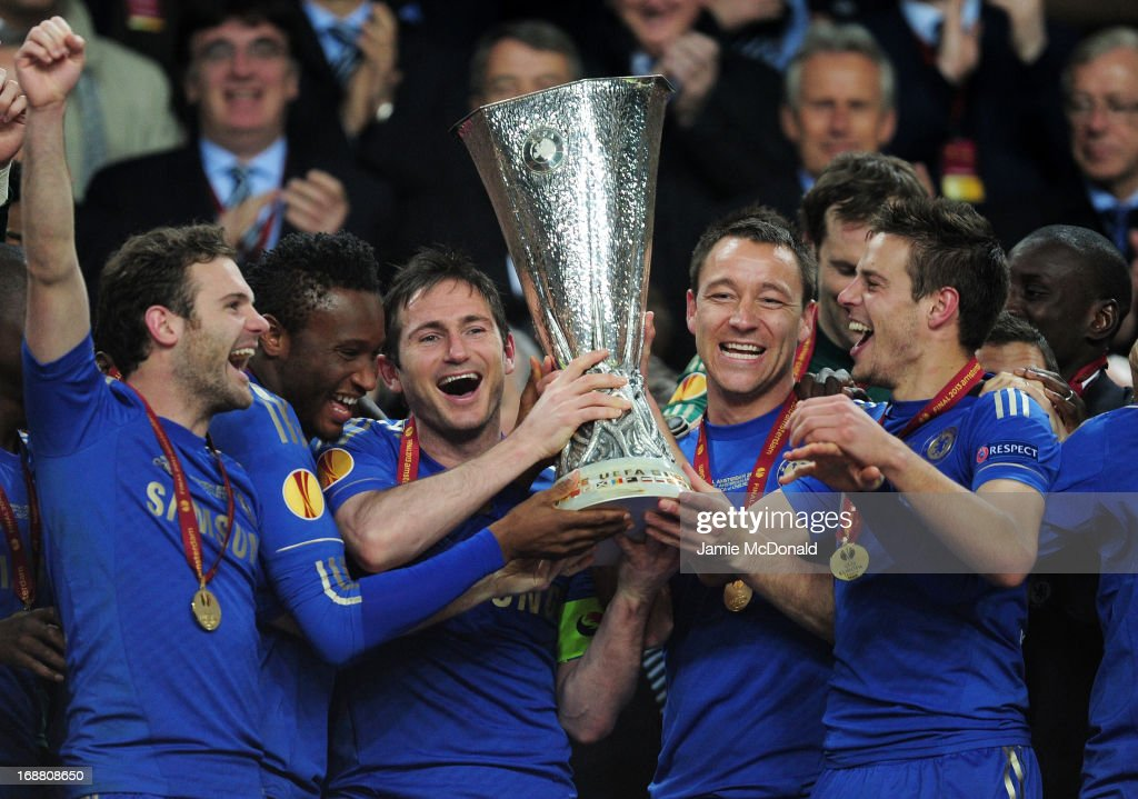 Juan Mata, Mikel John Obi, Frank Lampard, John Terry and Cesar Azpilicueta of Chelsea celebrate with the trophy during the UEFA Europa League Final between SL Benfica and Chelsea FC at Amsterdam Arena on May 15, 2013 in Amsterdam, Netherlands.