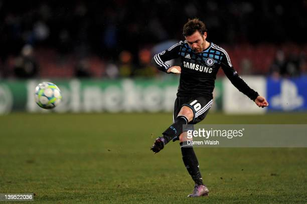Juan Mata of Chelsea crosses the ball during the UEFA Champions League round of 16 first leg match between SSC Napoli and Chelsea FC at Stadio San...