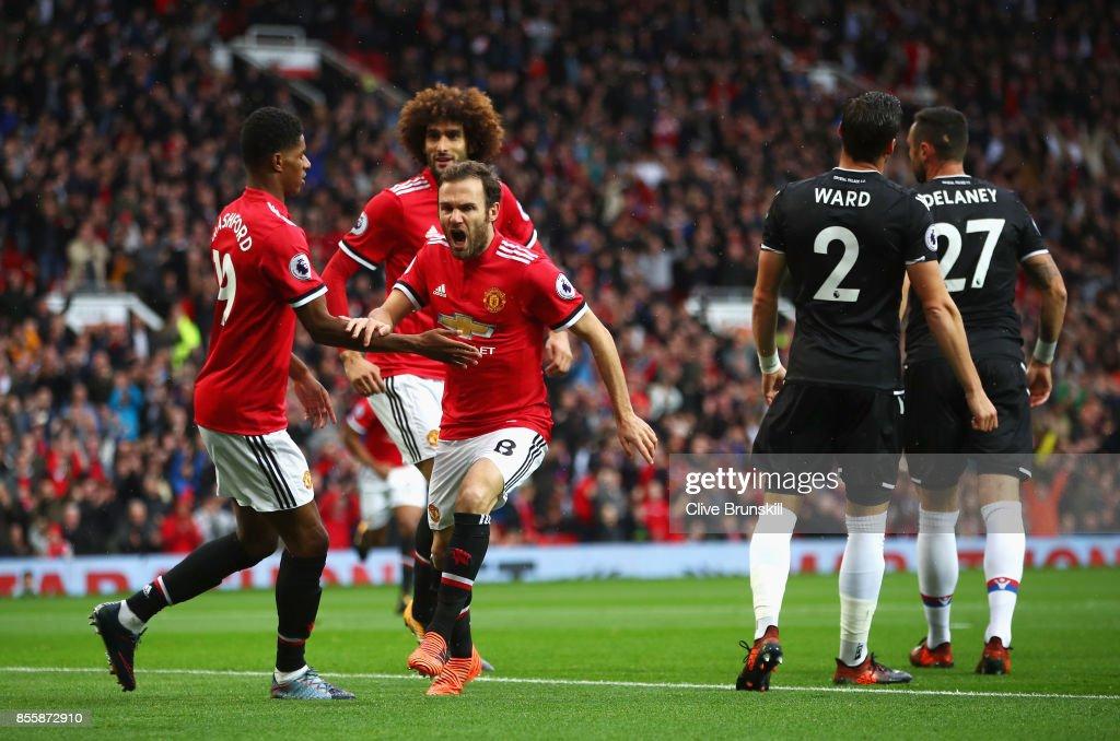Manchester United v Crystal Palace - Premier League : News Photo
