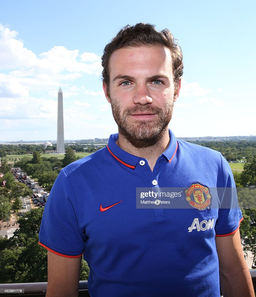 (MINIMUM PRINT/BROADCAST FEE OF GBP 150, ONLINE FEE OF GBP 75 PER IMAGE, OR LOCAL EQUIVALENT) Juan Mata of Manchester United meets tennis players who are playing in the Citi Open, at their hotel on July 28, 2014 in Washington, DC.