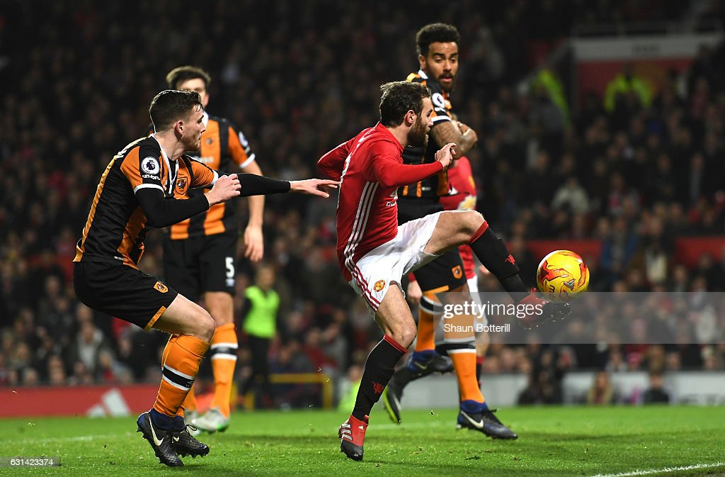 Manchester United v Hull City - EFL Cup Semi-Final: First Leg : News Photo