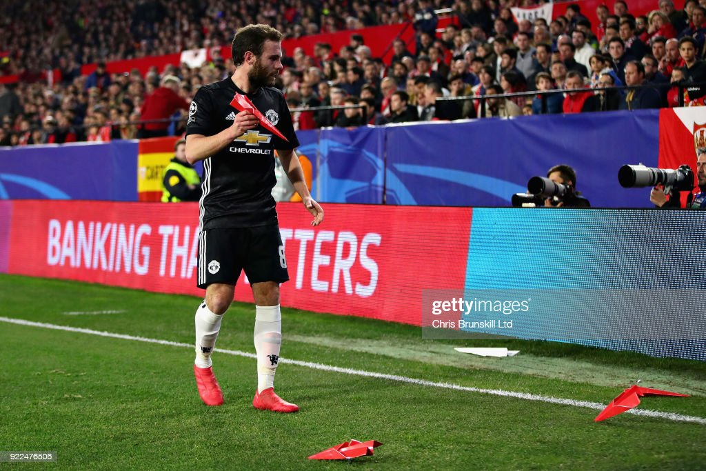 Sevilla FC v Manchester United - UEFA Champions League Round of 16: First Leg : ニュース写真