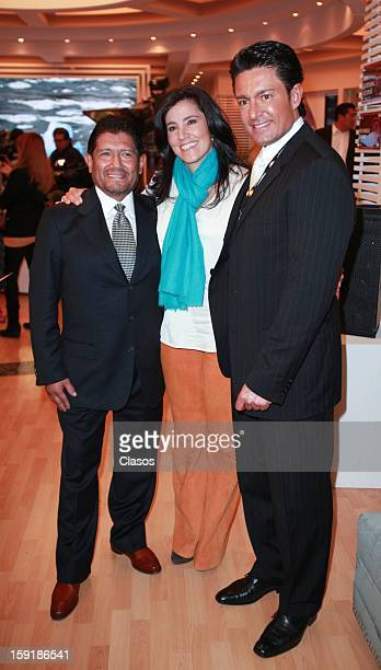 Juan Osorio Alicia Lebrija and Fernando Colugna pose for a photo during the presentation of the campaign Una Gota de Agua Una Gota de Vida at...