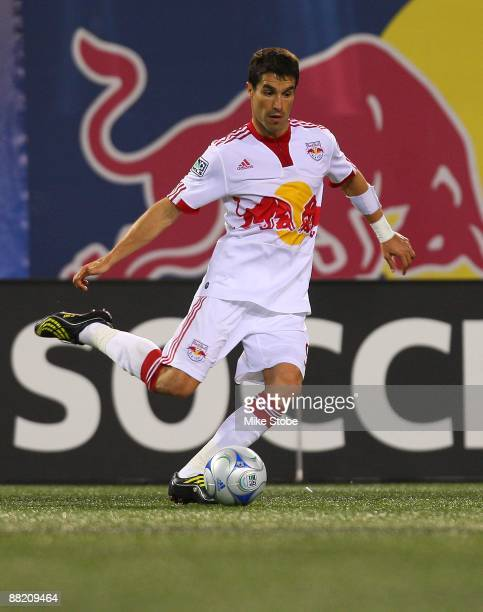 Juan Pablo Angel of the New York Red Bulls plays the ball against the Houston Dynamo at Giants Stadium in the Meadowlands on May 16 2009 in East...