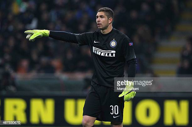 Juan Pablo Carrizo of FC Internazionale Milano gestures during the UEFA Europa League Round of 16 match between FC Internazionale Milano and VfL...