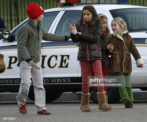 Juan Pablo Urdangarin Arrieta Morales Ana Maria Morales and Irene Urdangarin are seen going for a walk at the White House on December 3 2011 in...