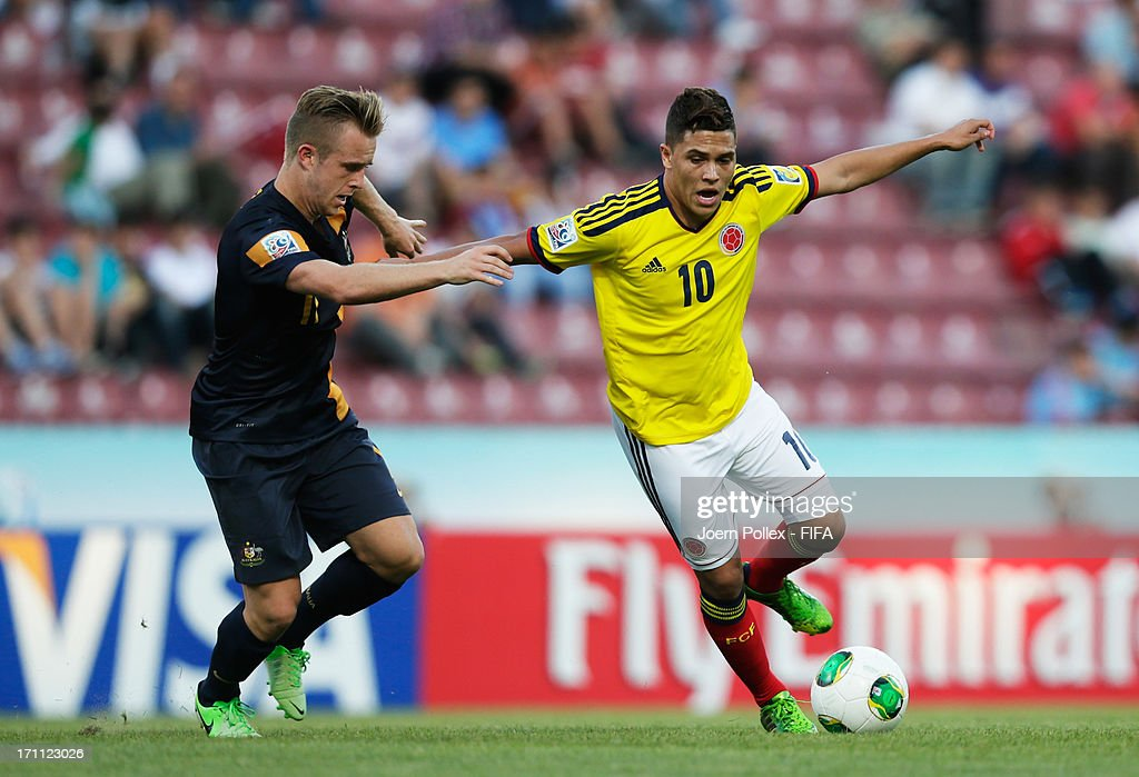 Juan Quintero (R) of Colombia and Connor Pain of Australia compete for the ball during the FIFA U-20 World Cup Group C match between Colombia and Australia at Huseyin Avni Aker Stadium on June 22, 2013 in Trabzon, Turkey.