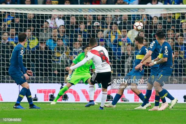 Juan Quintero of River Plate scores his team's second goal during the second leg of the final match of Copa CONMEBOL Libertadores 2018 between Boca...