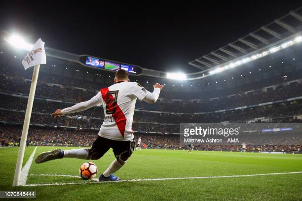 Juan Quintero of River Plate takes a corner during the second leg of the final match of Copa CONMEBOL Libertadores 2018 between Boca Juniors and...
