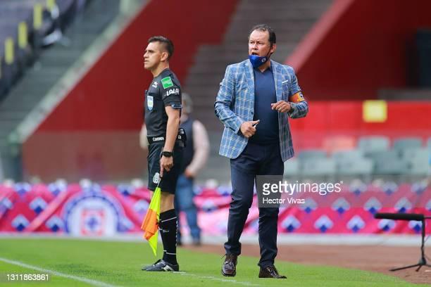 Juan Reynoso, head coach of Cruz Azul gestures during the 14th round match between Cruz Azul and Chivas as part of the Torneo Guard1anes 2021 Liga MX...