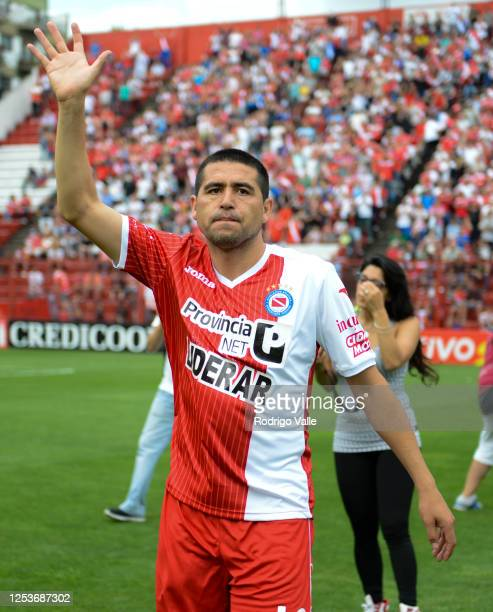 Juan Roman Riquelme of Argentinos Juniors waves to the fans before a match between Argentinos Juniors and Douglas Haig as part of Torneo de...
