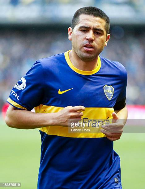 Juan Roman Riquelme of Boca Juniors in action during a match between Boca Juniors and Colon as part of the 13th round of the Torneo Inicial 2013 at...