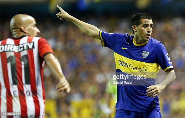 Juan Roman Riquelme of Boca Juniors looks on during a match between Boca Juniors and Estudiantes as part of forth round of Torneo Final 2014 at...