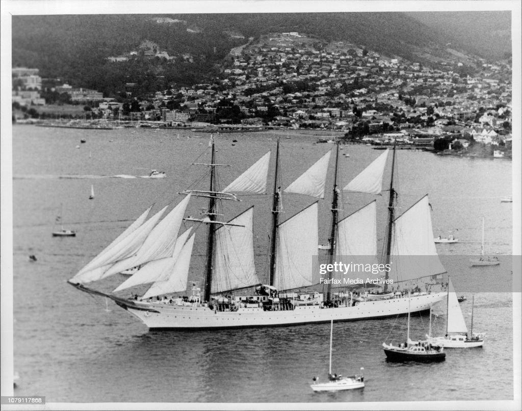 Juan Sebastian De Elcano in Hobart Harbour. : News Photo