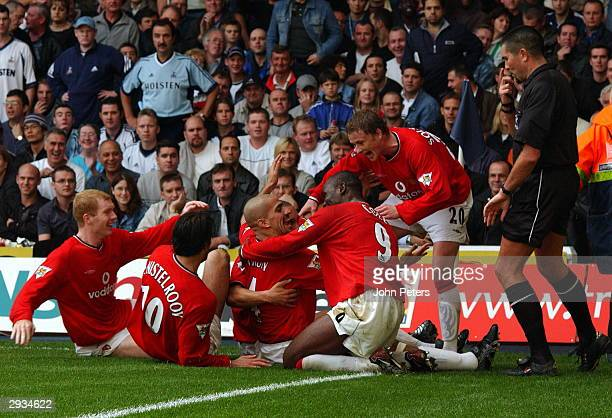 Juan Sebastian Veron celebrates elebrates scoring United's fourth goal during the FA Barclaycard Premiership match between Tottenham Hotspur v...