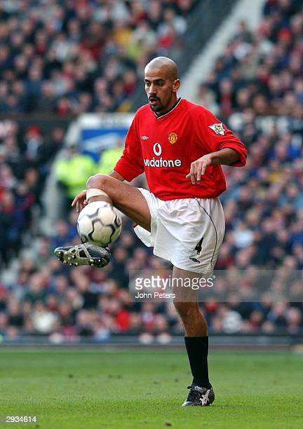 Juan Sebastian Veron in action during the FA Barclaycard Premiership match between Manchester United v Blackburn Rovers at Old Trafford on January 19...