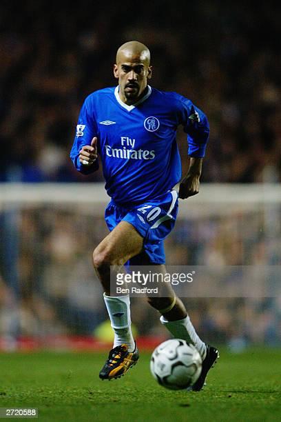 Juan Sebastian Veron of Chelsea makes a break forward during the FA Barclaycard Premiership match between Chelsea and Newcastle United held on...