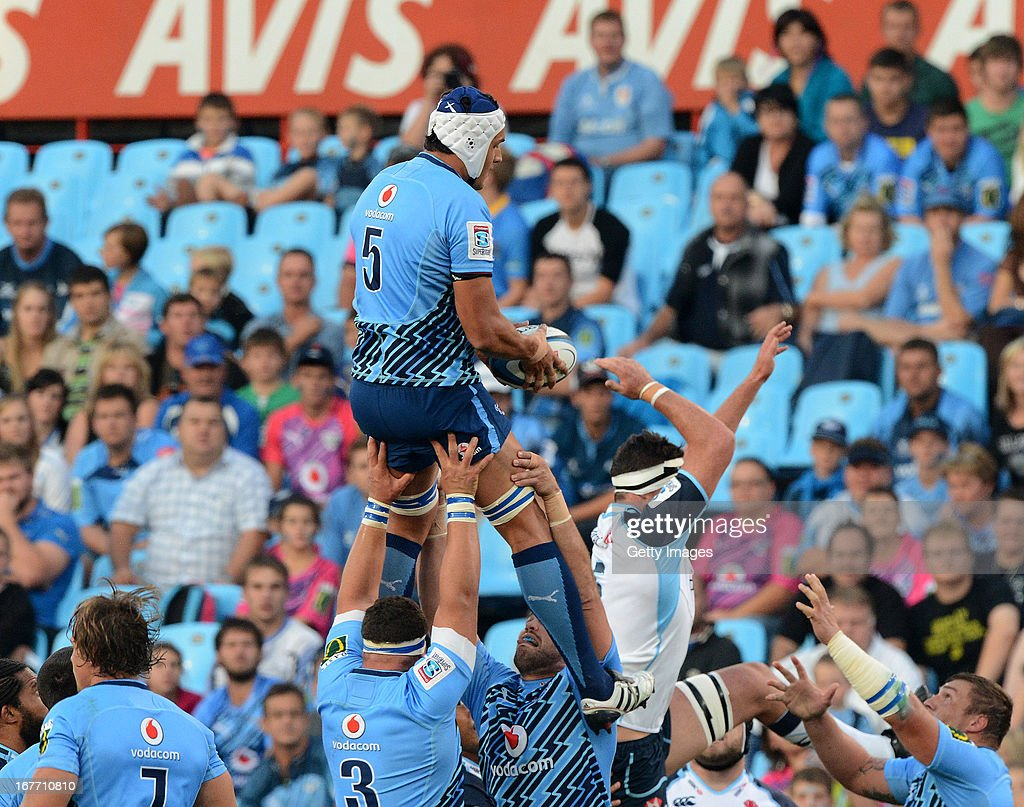 Juandre Kruger of the Bulls wins the line-out ball during the Super Rugby match between Vodacom Bulls and Waratahs at Loftus Versveld on April 27, 2013 in Pretoria, South Africa.