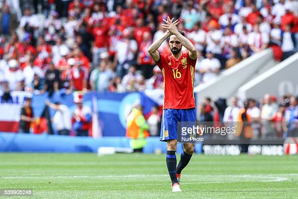 Juanfran celebrates victory at the end of the Euro 2016 group D football match between Spain and Czech Republic at Stadium Municipal, in Toulouse, on...