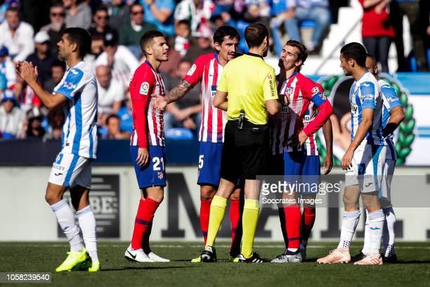 Juanfran of Leganes Lucas Hernandez of Atletico Madrid Savic of Atletico Madrid Melero Lopez referee Antoine Griezmann of Atletico Madrid Oscar...
