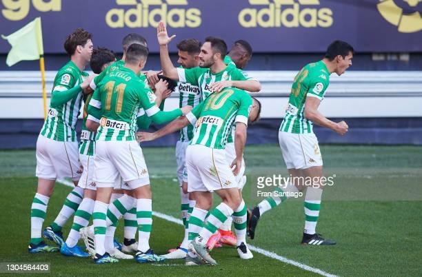 Juanmi Jiménez of Real Betis celebrates scoring a goal during the La Liga Santander match between Cadiz CF and Real Betis at Estadio Ramon de...