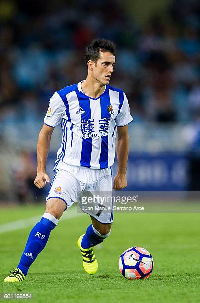 Juanmi of Real Sociedad controls the ball during the La Liga match between Real Sociedad de Futbol and RCD Espanyol at Estadio Anoeta on September 9...