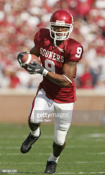 Juaquin Iglesias of the Oklahoma Sooners carries the ball during the game against the Texas AM Aggies on November 12 2005 at Memorial Stadium in...
