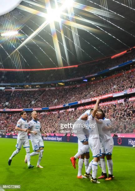 Jubel bei den Spielern von Hoffenheim nach dem Tor zum 01 durch Kerem Demirbay waehrend dem Fussball Bundesliga Spiel FC Bayern Muenchen gegen TSG...