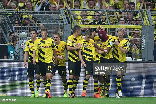0 von PierreEmerick Aubameyang mit Spiderman Maske Fussball Supercup 2014 Borussia Dortmund FC Bayern München 20