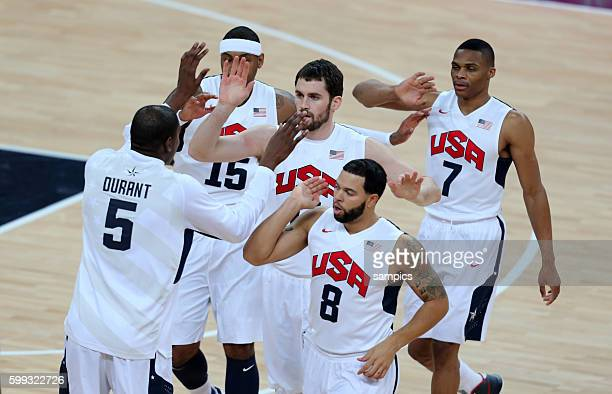 JUbel der US Mannschaft Carmelo Anthony Kevin LOve , deron Williams und Russel Westbrook Basketball Final Finale USA - Spanien USA Spain Olympische...