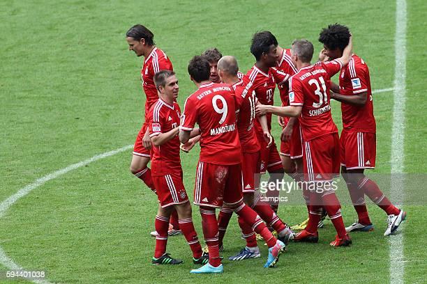 jubel des FC Bayern Daniel VAN BUYTEN FC Bayern München Phlipp LAHM FC Bayern München Arjen ROBBEN FC Bayern München David ALABA FC Bayern München...